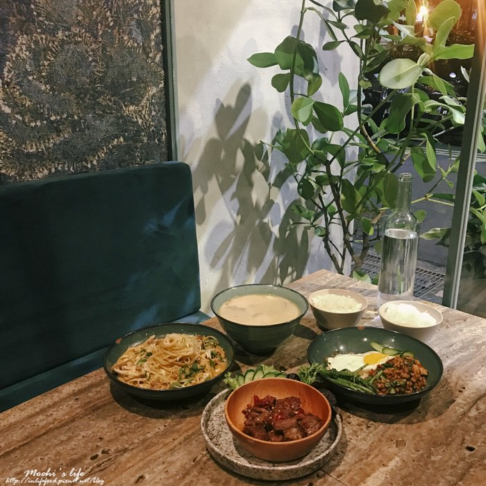 六張犁站美食|意外好吃!韓式咖啡廳吃創意泰式料理「Santal 29」不限時聚會餐廳@捷運六張犁站美食