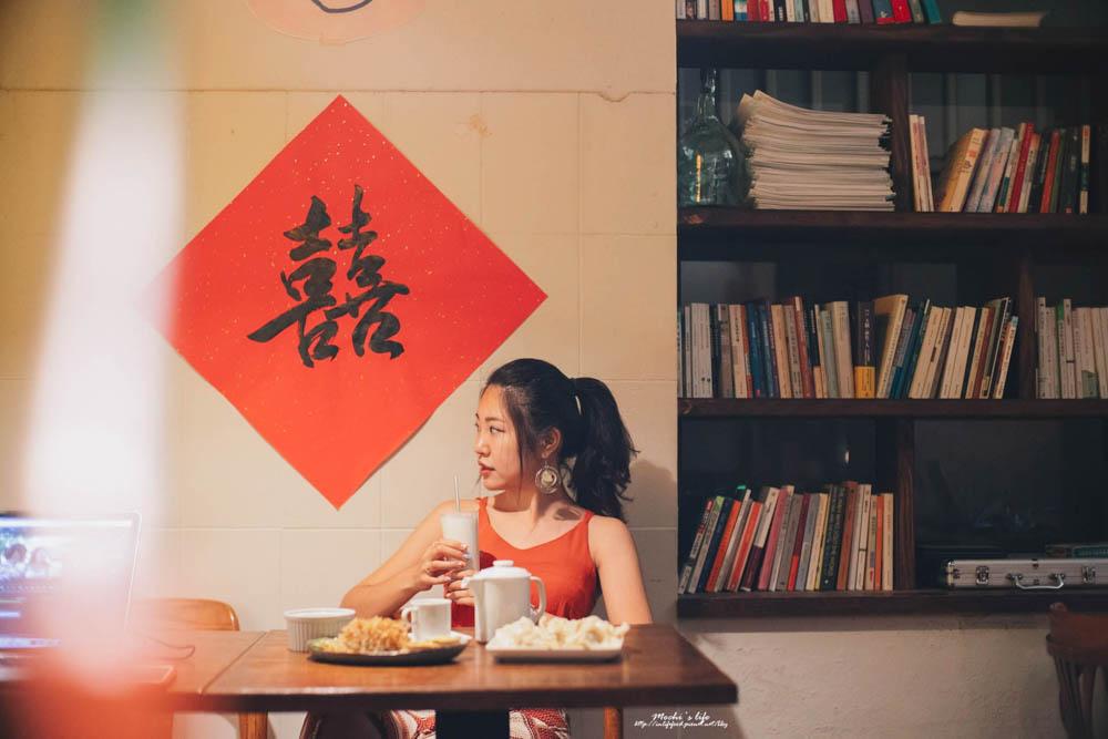 科技大樓站美食|未央咖啡:越晚氣氛越迷人 開到凌晨一點不限時咖啡廳,還有貓飯水餃可以吃!未央咖啡菜單/大安區不限時咖啡廳