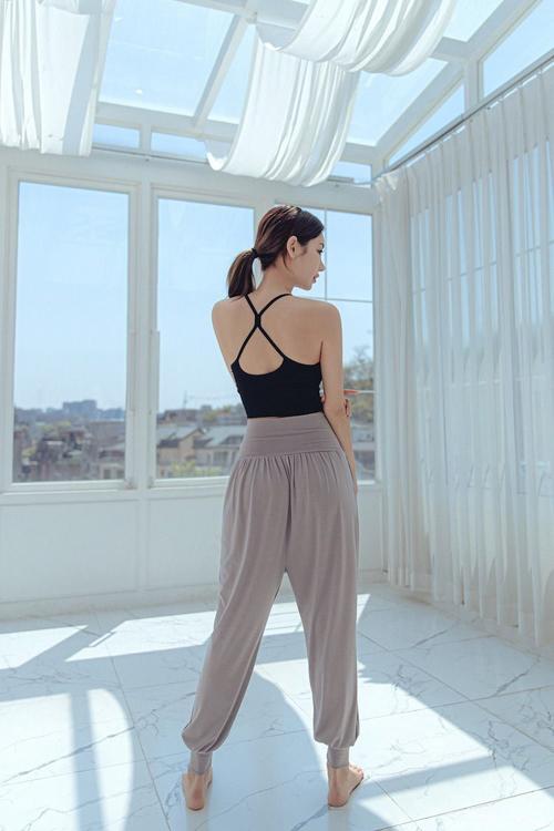 mellow active評價,mellow active,高腰運動褲,瑜珈服品牌,韓國運動服品牌