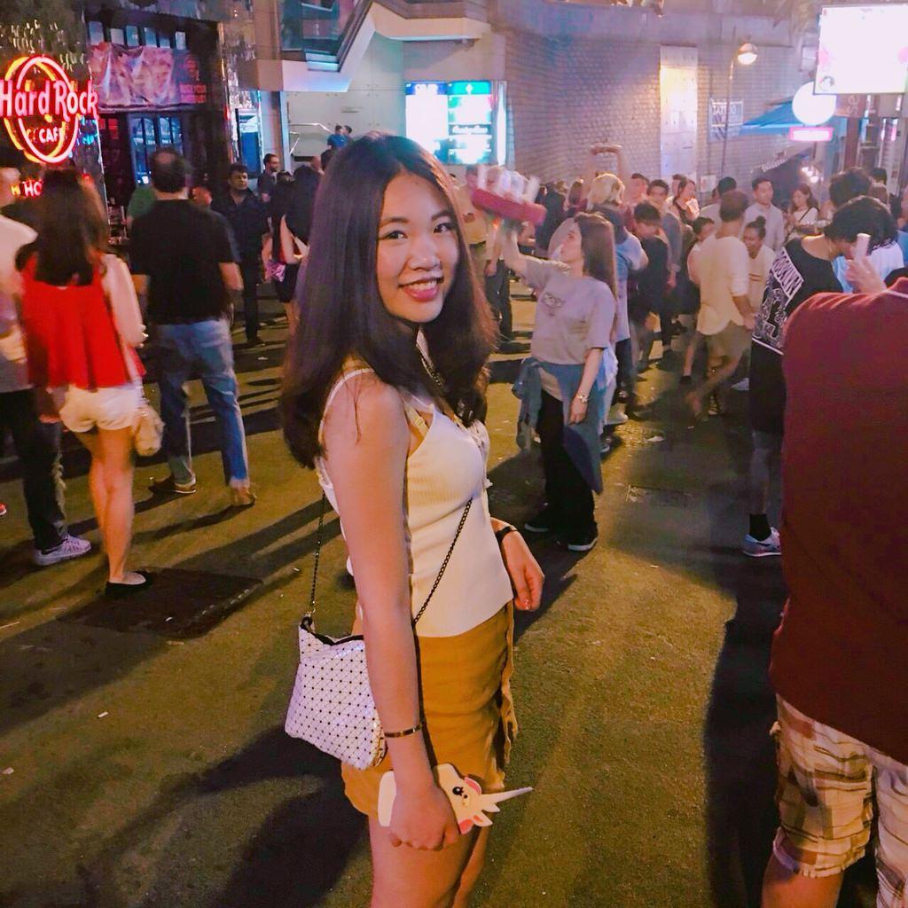 香港蘭桂坊|一定要體驗香港夜生活!蘭桂坊站在路邊也high,蘭桂坊酒吧比蘭桂坊夜店好玩(香港必去)