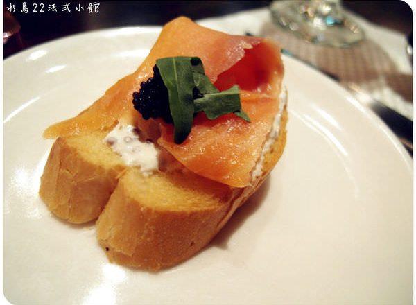 台北車站美食 ▌不推薦「鯊魚咬吐司」:只要吃一次就夠的鯊魚咬吐司